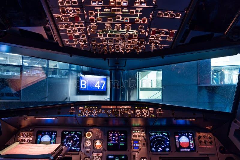 Cockpit Airbusses A320 lizenzfreie stockfotografie