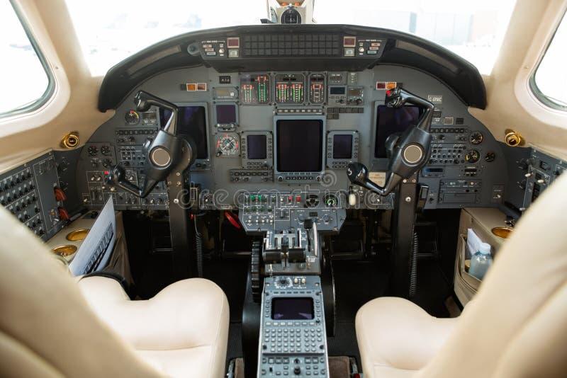 Cockpit av strålen för privat affär arkivfoto