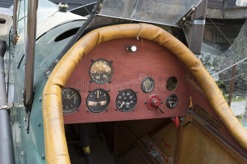 Cockpit der Replik SE5 eines Royal Air Force-Doppeldeckers stockbild