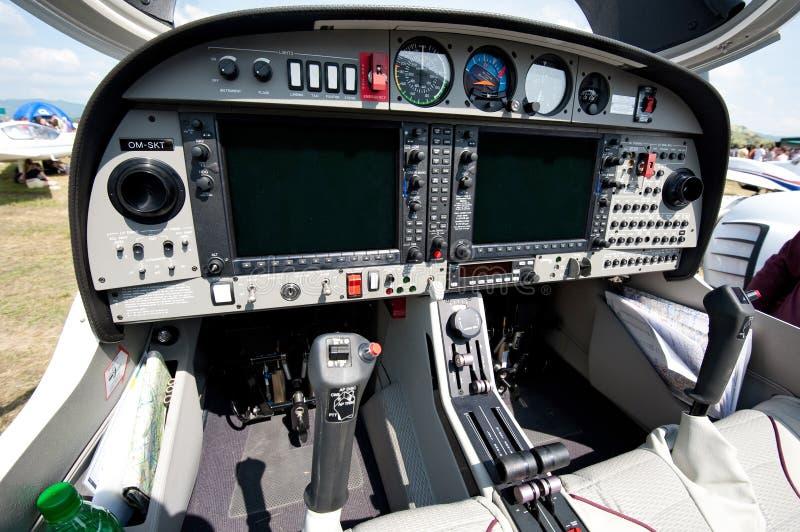 Cockpit des kleinen Sportflugzeuges lizenzfreie stockbilder