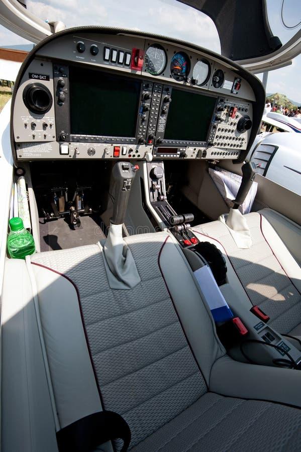 Cockpit des kleinen Sportflugzeuges lizenzfreie stockfotos
