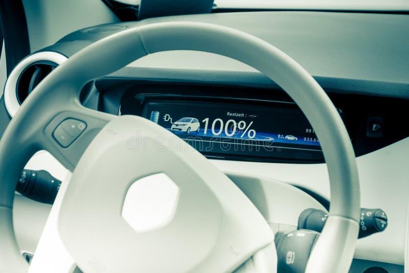 Cockpit do carro elétrico imagem de stock