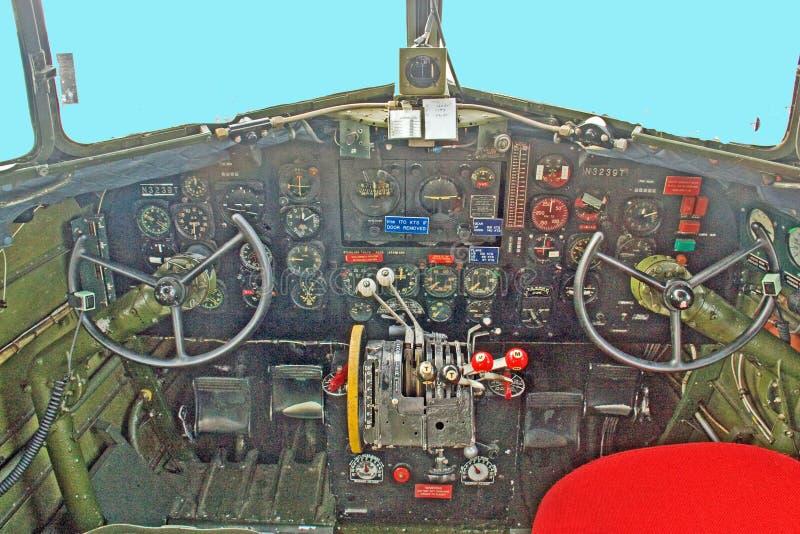 Cockpit för DC3 Dakota royaltyfri fotografi