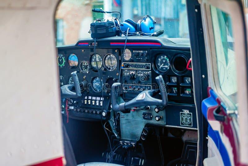 Cockpit van een Klein Vliegtuig royalty-vrije stock foto's