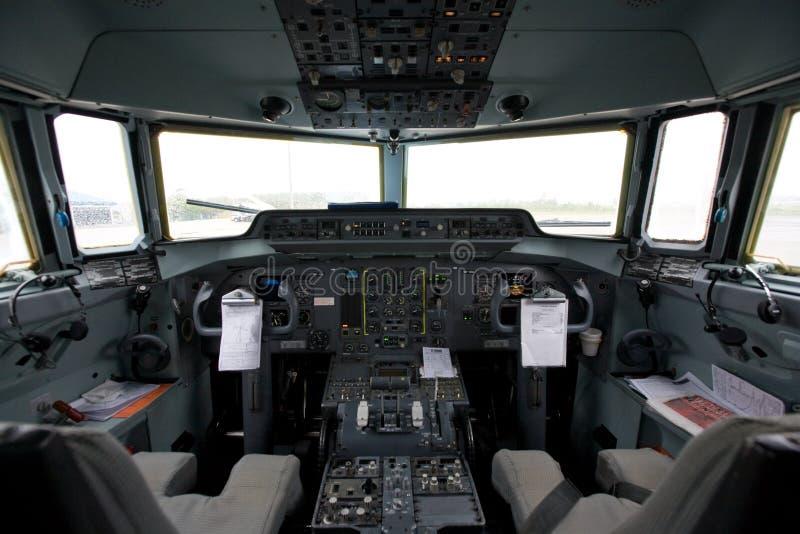 Cockpit van een vliegtuig stock foto's