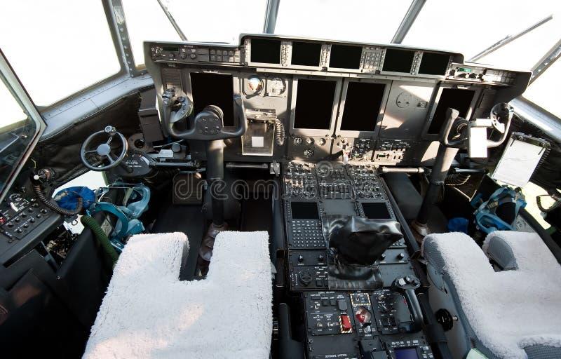 Cockpit van modern militair vliegtuig royalty-vrije stock foto's