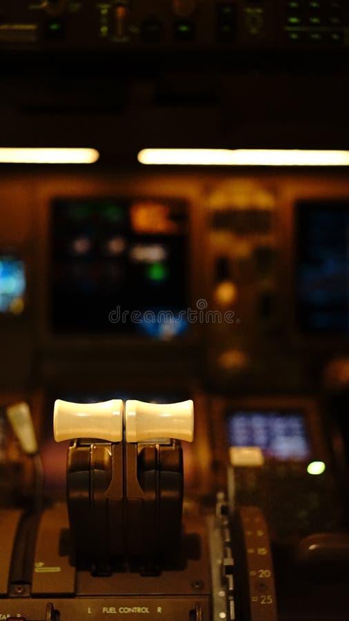 Cockpitansicht von Boeing 777 lizenzfreie stockfotografie