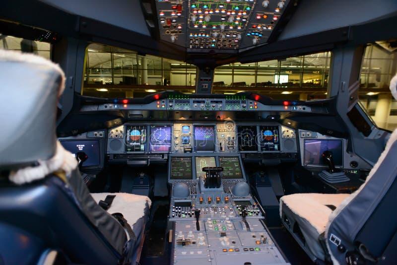 Cockpitinre fotografering för bildbyråer