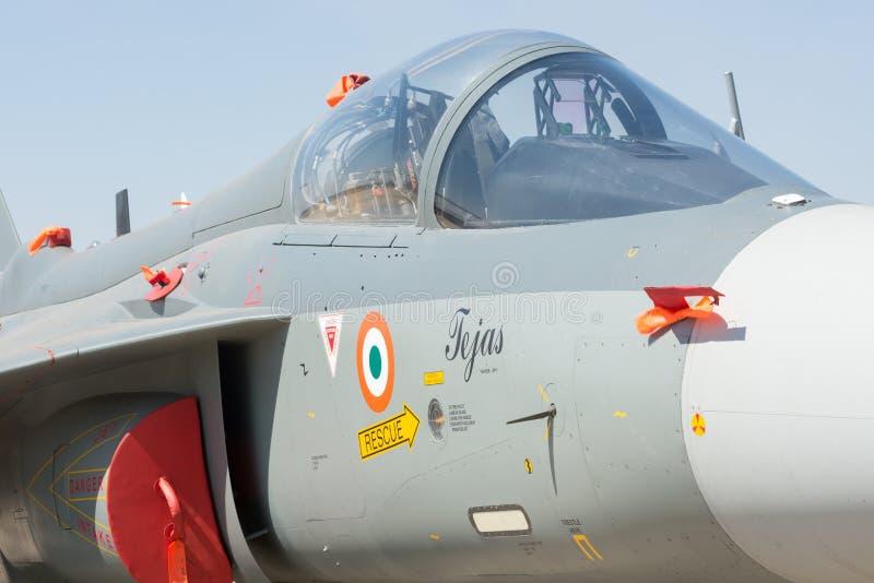 Cockpitsikt av det indiska ljusa kämpeTejas flygplanet royaltyfri fotografi