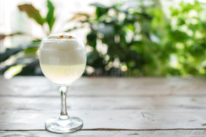 Cocktail aigre de Pisco photos stock