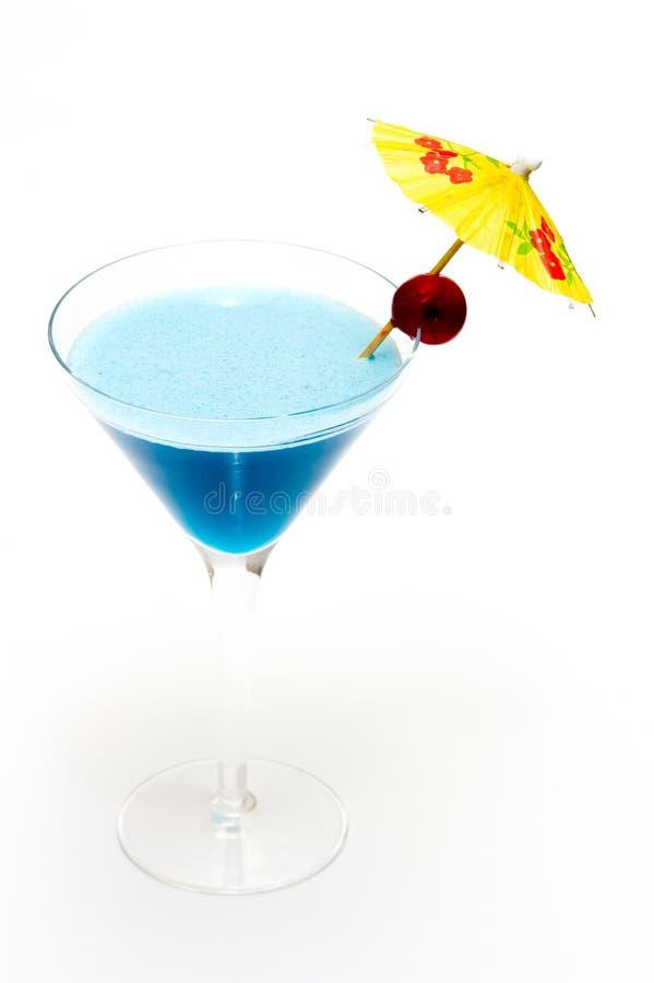 Cocktail avec le Curaçao bleu photo libre de droits