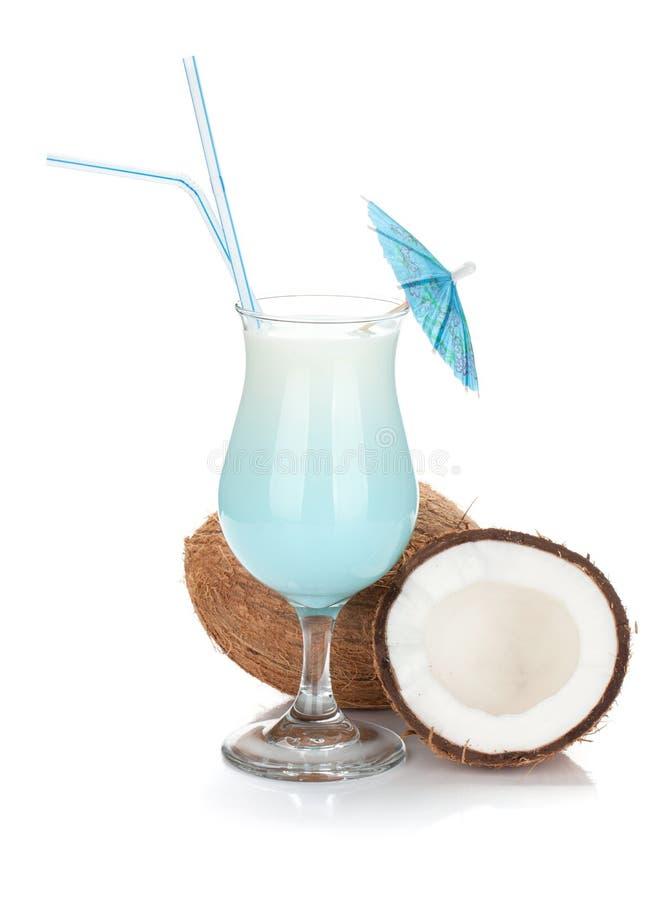 Cocktail azul do creme do coco fotos de stock