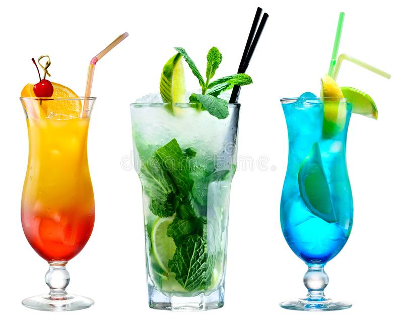 Cocktail classici isolati su fondo bianco immagini stock libere da diritti