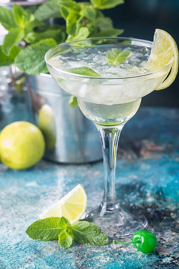 Cocktail classico della margarita della calce immagine stock libera da diritti