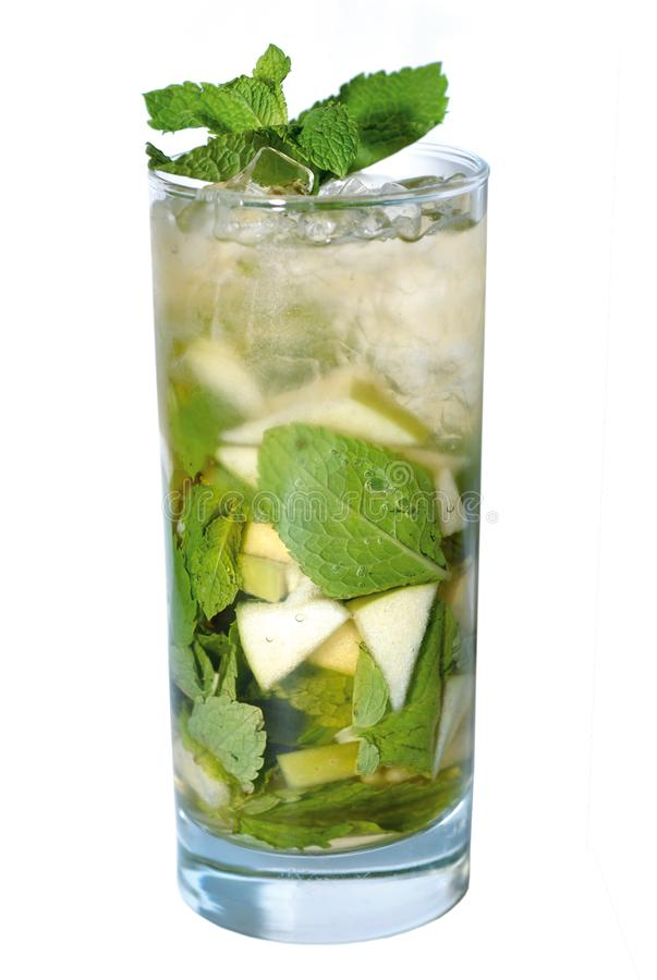 Cocktail con la menta immagine stock