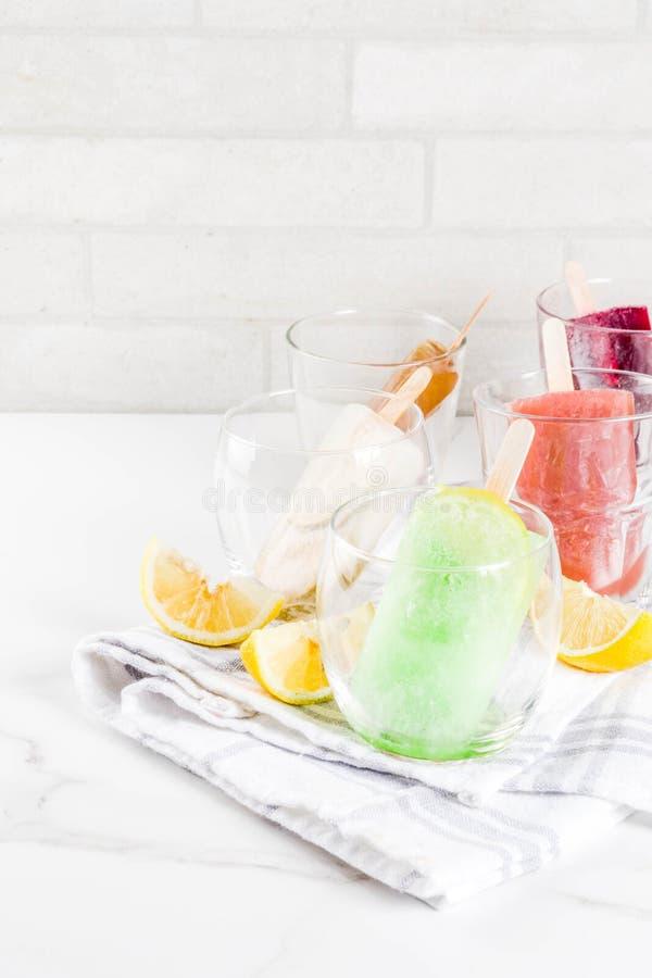 Cocktail congelati di estate immagini stock