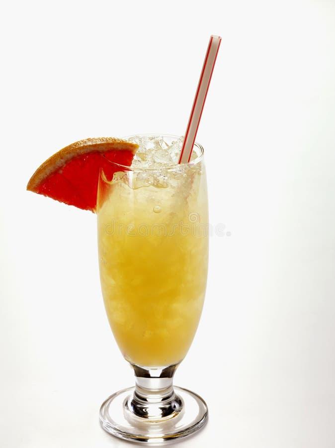 Cocktail d'alcool de Replenisher photographie stock libre de droits