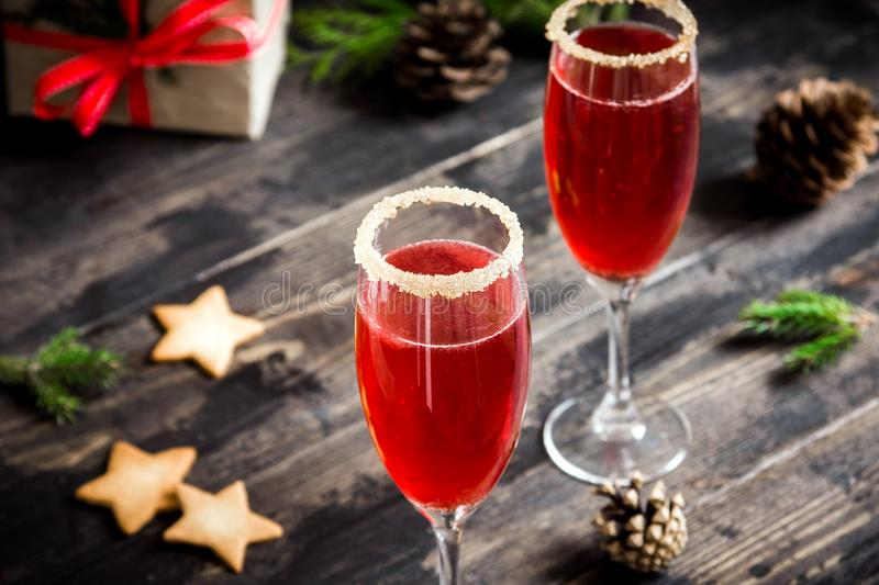 Cocktail da mimosa para o Natal fotografia de stock royalty free