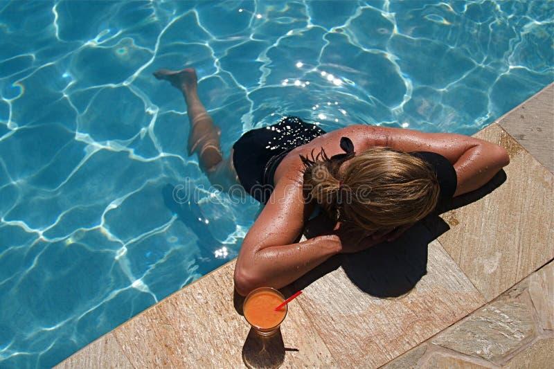 Cocktail da piscina fotos de stock royalty free