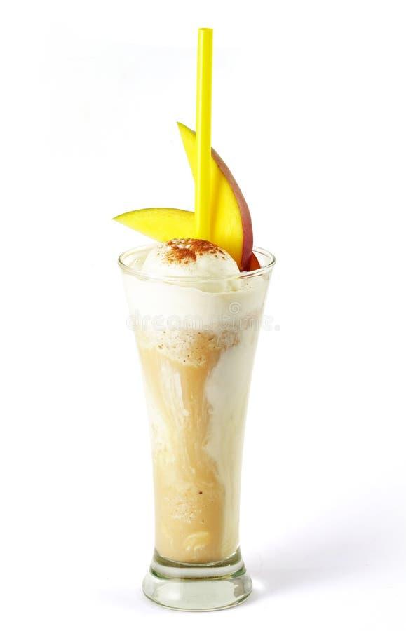 Cocktail de café avec la glace image stock