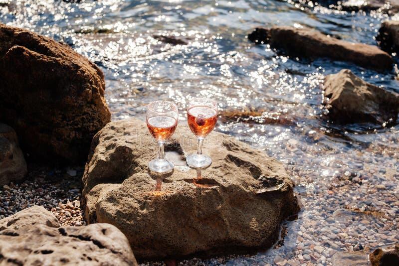 Cocktail de Champagne de fraise images libres de droits