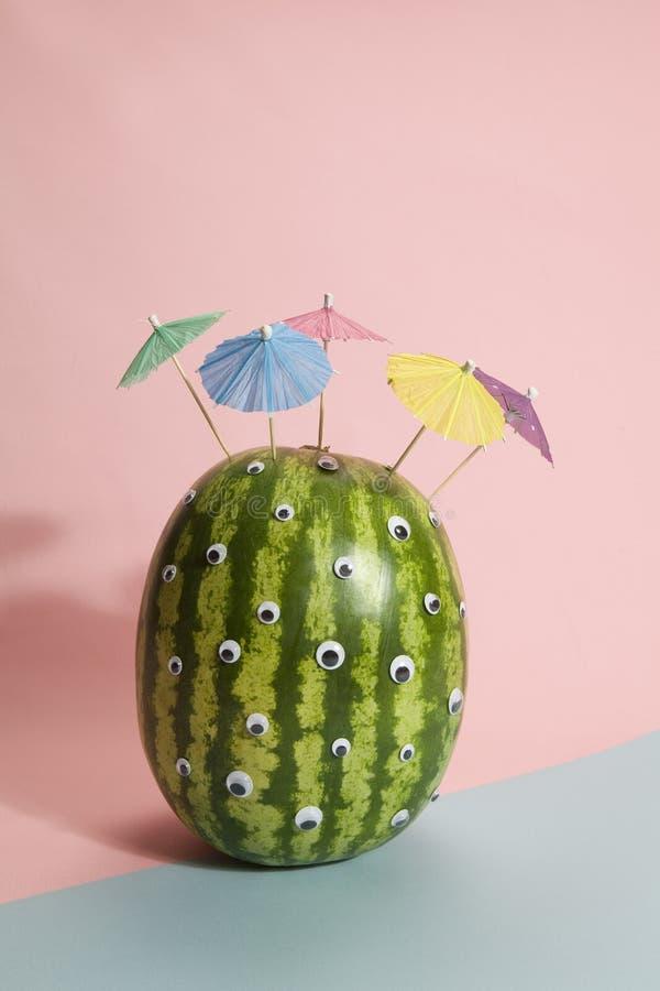 Cocktail de cheveux de parapluie de pastèque images stock