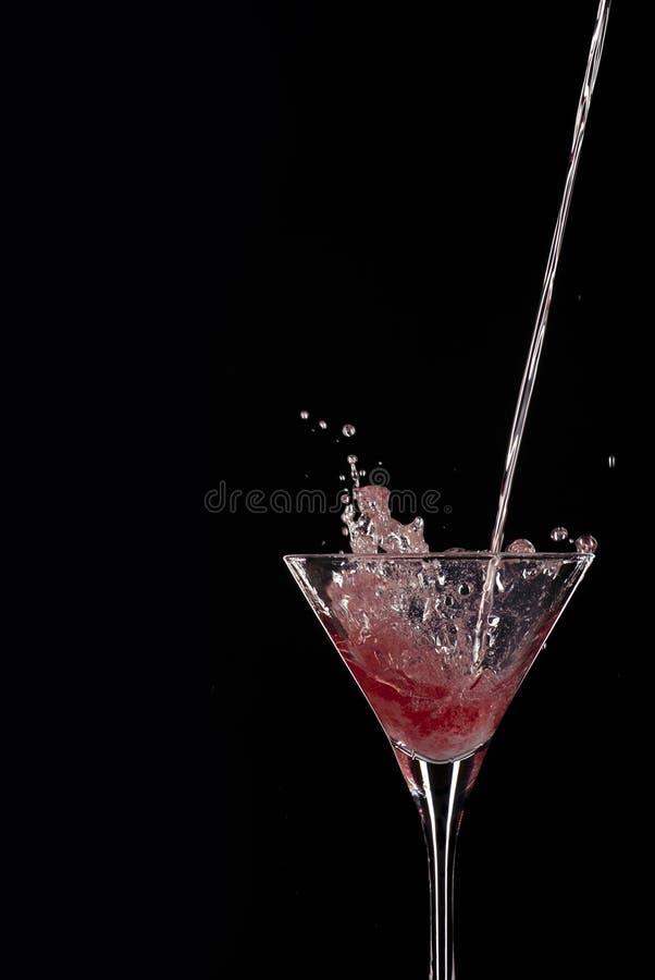 Cocktail de derramamento fotos de stock royalty free