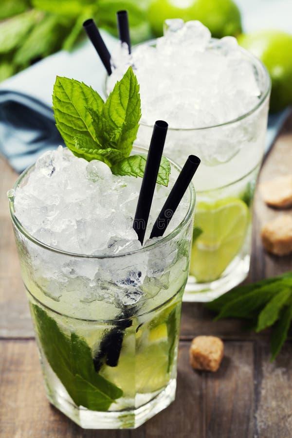 Cocktail de Mojito images stock