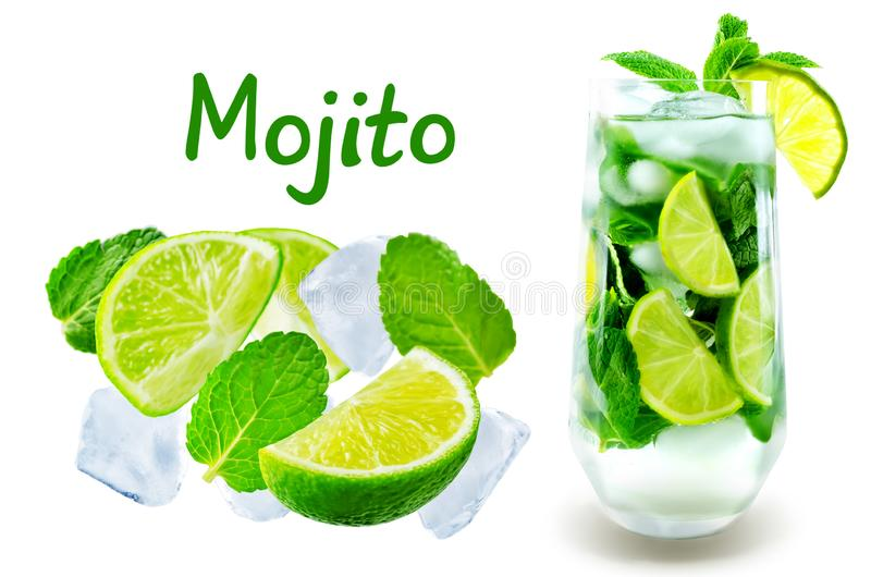 Cocktail de Mojito com as folhas de hortelã fresca e fatia do cal isolada foto de stock