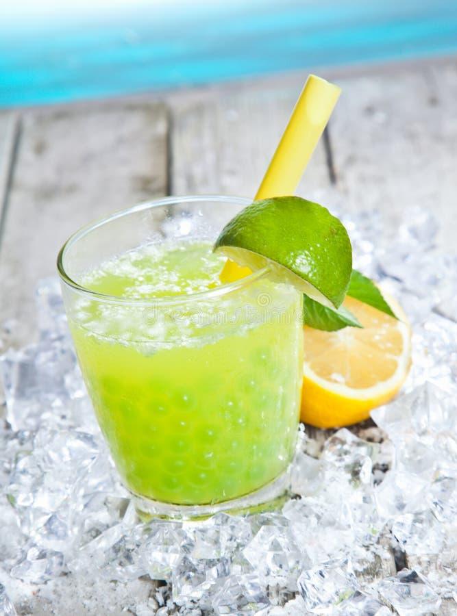 Cocktail de refrescamento Tangy do chá do boba foto de stock