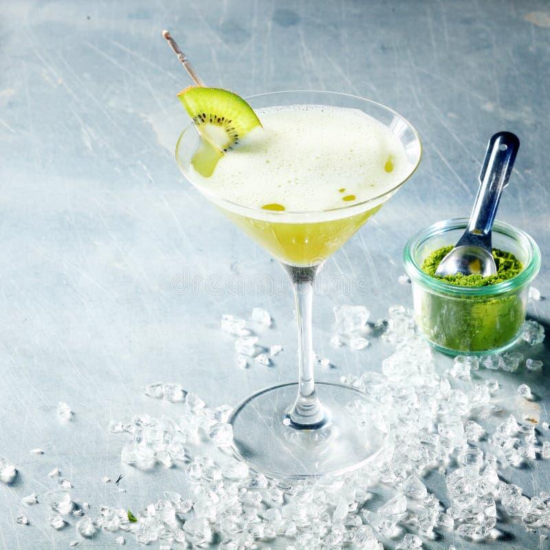 Cocktail de thé vert de Matcha photographie stock libre de droits