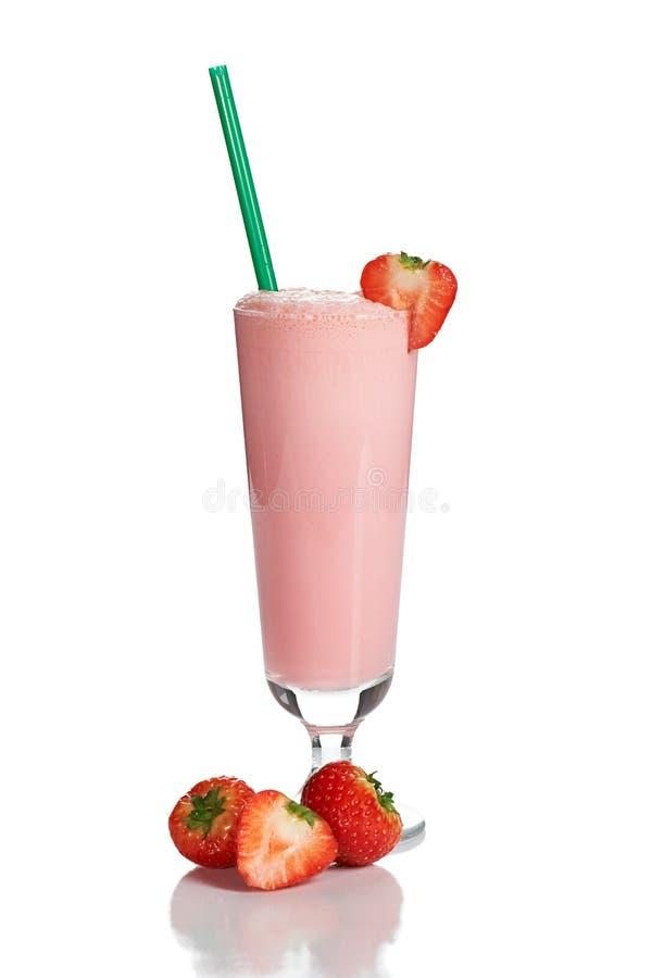 Cocktail del latte con la fragola fotografia stock