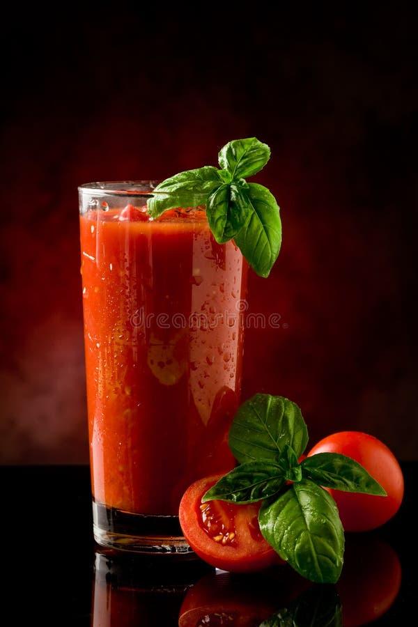 Cocktail della Mary sanguinante del succo di pomodoro fotografia stock