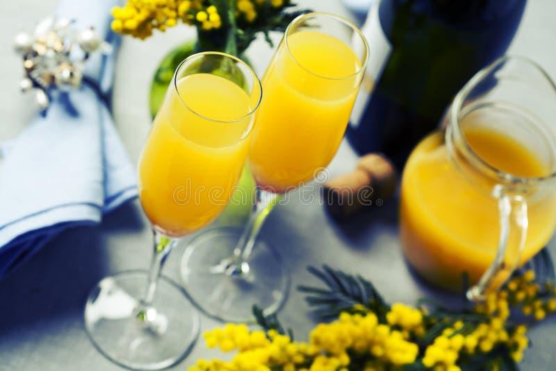 Cocktail della mimosa immagini stock libere da diritti