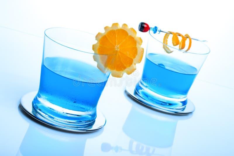Cocktail des blauen Haifischs stockbilder