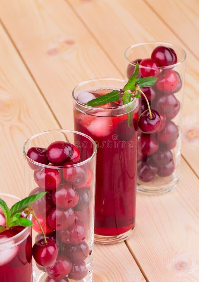 Cocktail di frutta rosso immagine stock libera da diritti