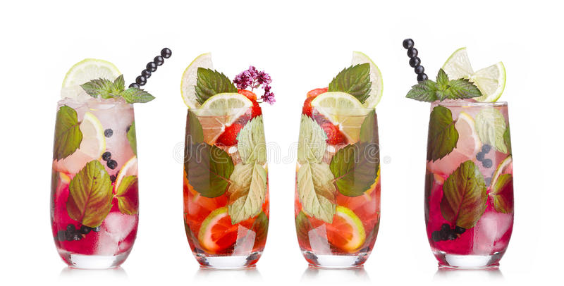 Download Cocktail di Mojito messi immagine stock. Immagine di calce - 56878747