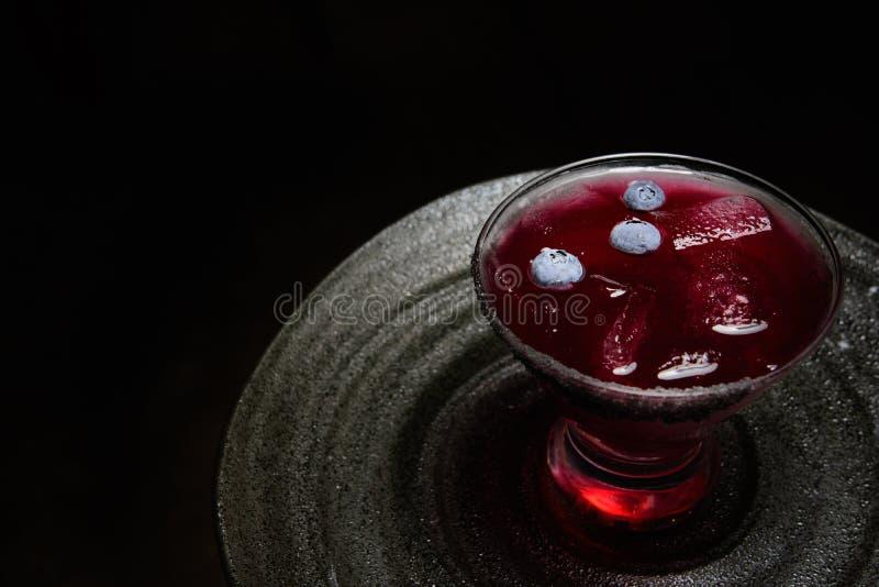 Cocktail di porpora del mirtillo immagini stock