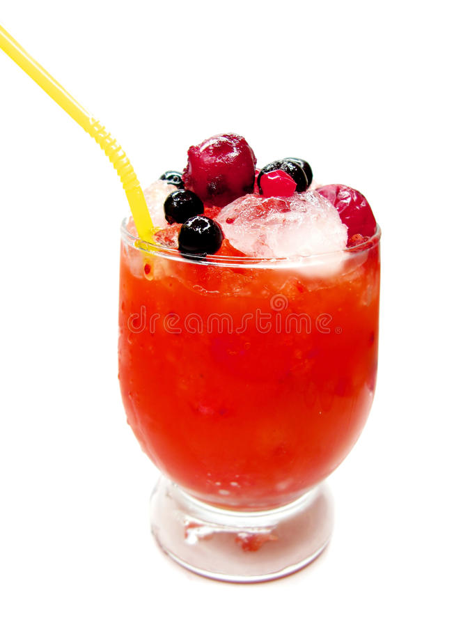 Cocktail do licor do álcool com cereja foto de stock