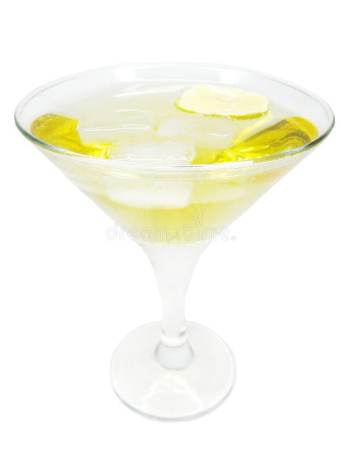 Cocktail do licor do álcool com limão imagem de stock