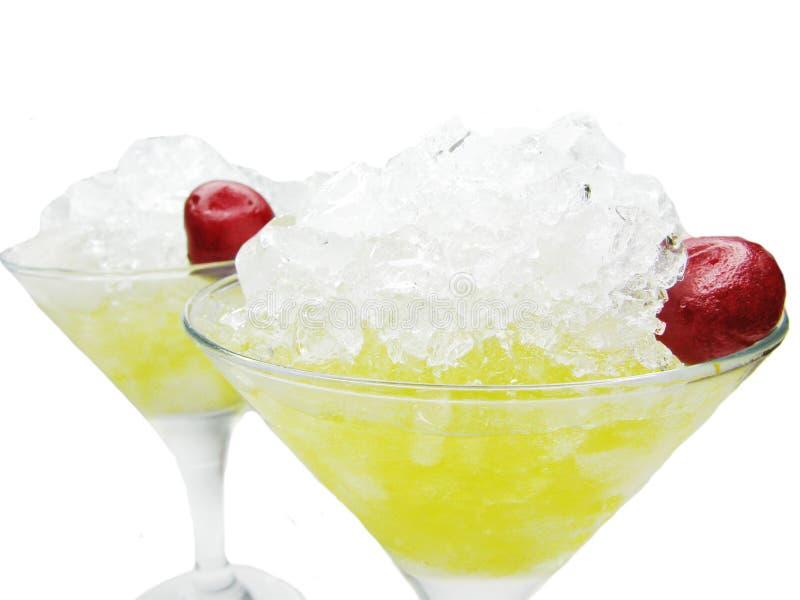 Cocktail do licor do álcool da fruta com cereja fotografia de stock