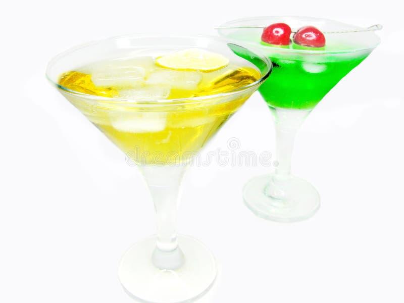 Cocktail do licor do álcool dois com cereja imagens de stock royalty free