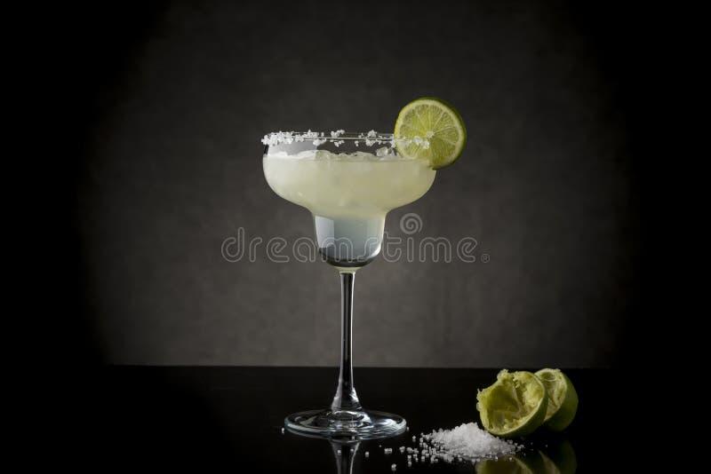Cocktail do margarita do cal foto de stock