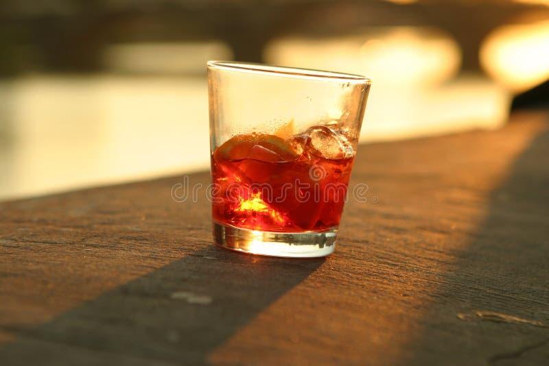 Cocktail do por do sol fotografia de stock