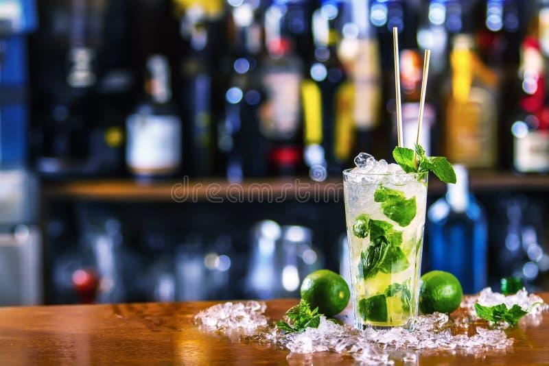 Cocktail do uísque imagem de stock