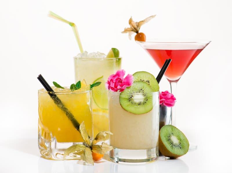 Cocktail esotico su una luce fotografia stock libera da diritti