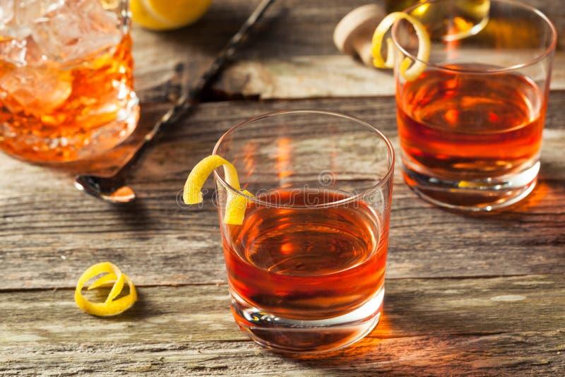 Cocktail fait maison de la Nouvelle-Orléans Sazerac photographie stock libre de droits