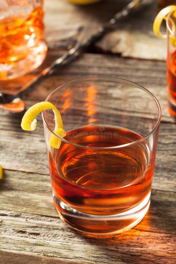 Cocktail fait maison de la Nouvelle-Orléans Sazerac images stock