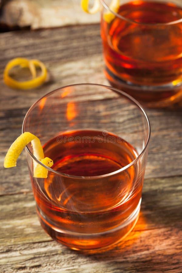Cocktail fait maison de la Nouvelle-Orléans Sazerac photos stock