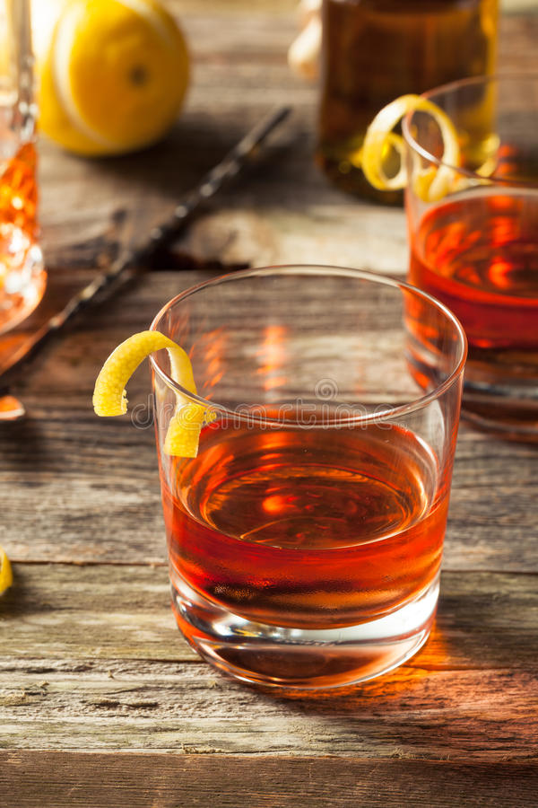 Cocktail fait maison de la Nouvelle-Orléans Sazerac photo stock